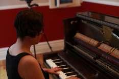 2- inside piano